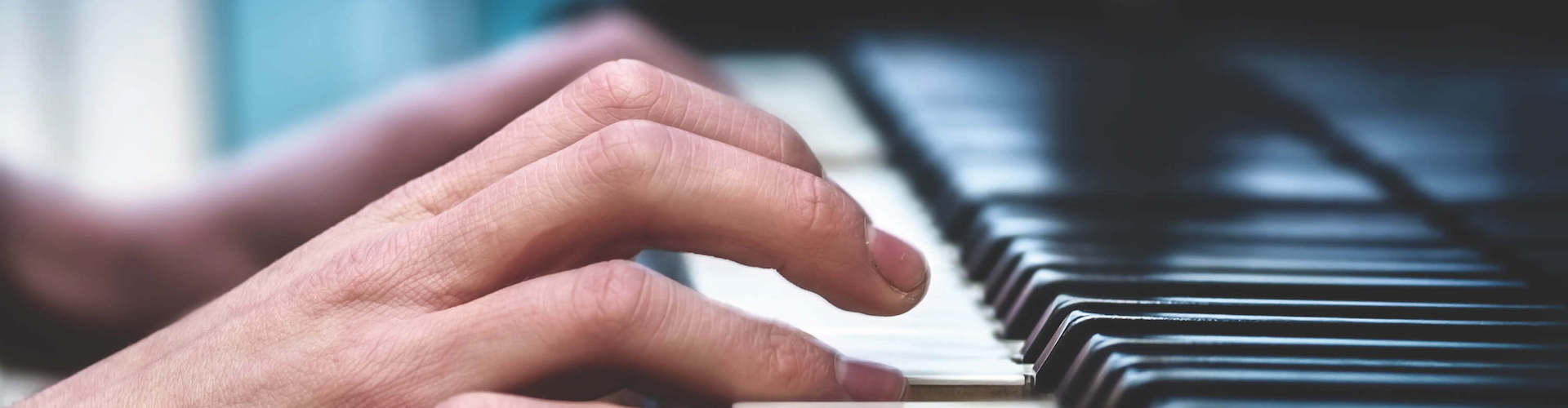 Piano 1920×500